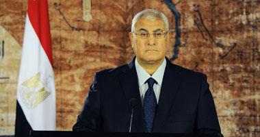 الرئيس المصري يصدر جملة قوانين قبيل مغادرته القصر