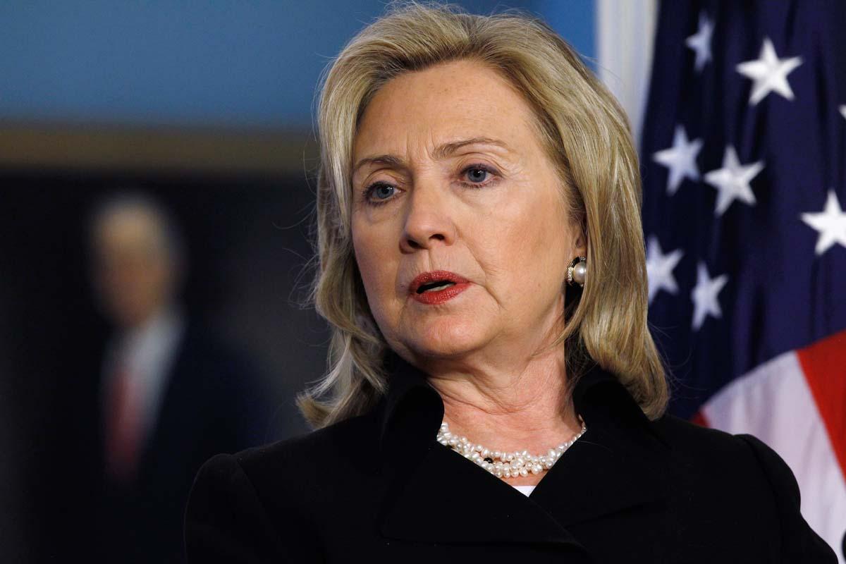 كلينتون تعتذر عن تأييدها لحرب العراق