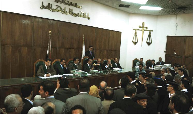 مصر: إحالة أوراق 10 من أنصار الرئيس المعزول إلى المفتي