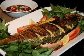 تناول السمك يقلل من اكتئاب المرأة