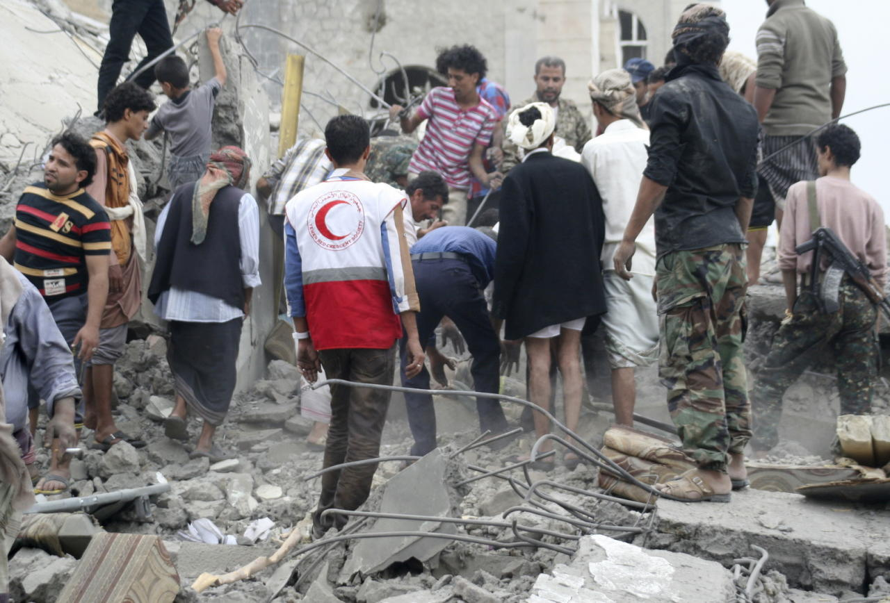 مقتل 7 مدنيين و20 حوثياً بمعارك وقصف غربي اليمن