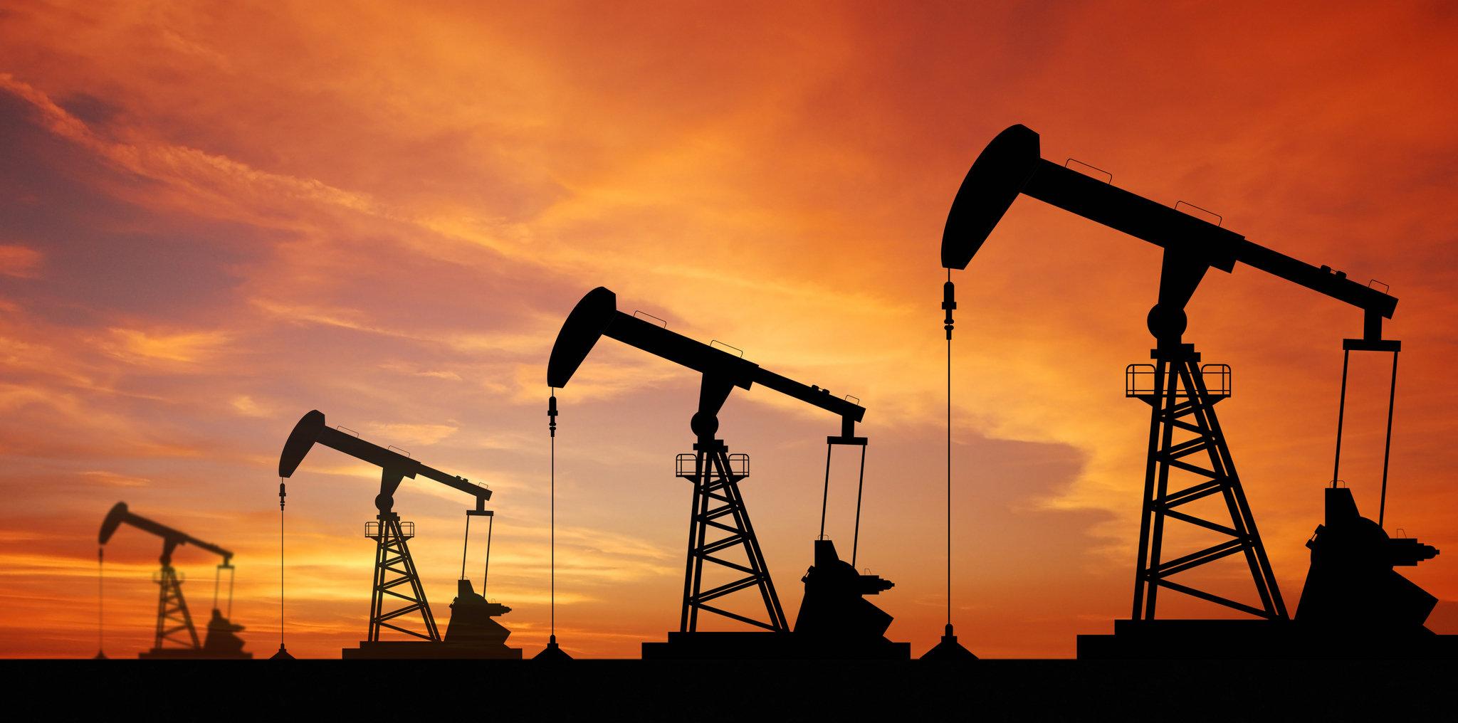تذبذب أسعار النفط الخام وسط سيطرة من حركة الهبوط