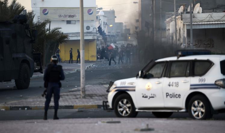 البحرين تحيل مدنيين إلى القضاء العسكري