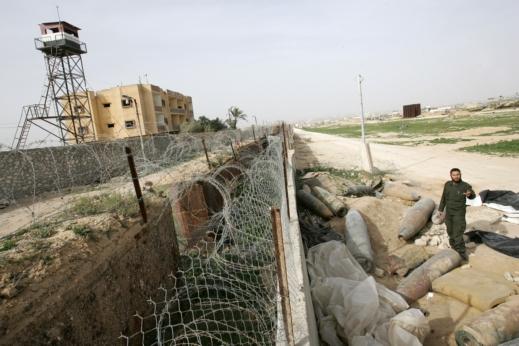 شهيد في تفجير انتحاري استهدف مجموعة من عناصر أمن