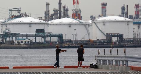 الإمارات واليابان توقعان اتفاقاً بشأن تخزين النفط