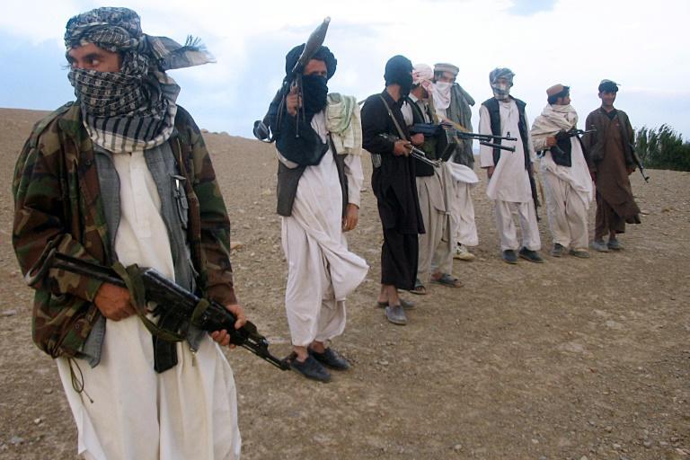 طالبان تدشن هجوم الربيع بعمليات انتحارية في أنحاء أفغانستان