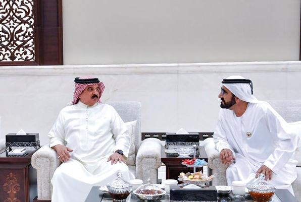 محمد بن راشد  يستقبل ملك البحرين