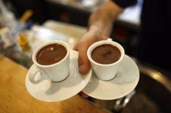 إفراط الرجل في تناول القهوة يؤثر سلبا على انجابه