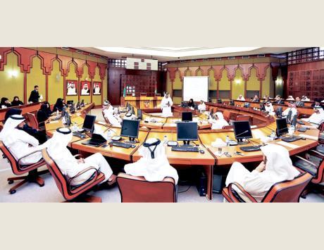 بلدية أبوظبي تقيم إنجازات خططها الإستراتيجية
