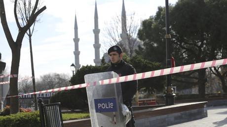 تركيا تعتقل 3 روس على صلة بداعش بعد تفجير اسطنبول الإرهابي