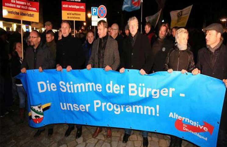 إعلامي وسياسي ألماني بارز يشبه الإسلام بالنازية