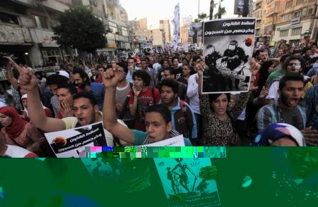 محكمة مصرية تقضي بسجن 23 شاباً لمشاركتهم في مسيرات ضد قانون التظاهر