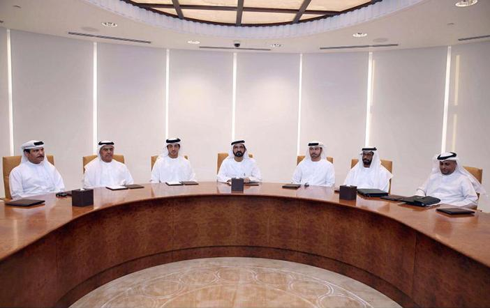 فريق عمل وكالة الإمارات للفضاء يستعرض خطة العمل المقبلة