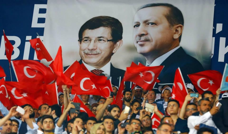 أحمد داود أوغلو رئيساً لحزب العدالة والتنمية خلفا لأردوغان