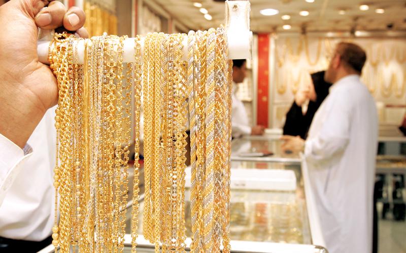 «موسم الأعراس» يدعم الطلب على المشغولات الذهبية