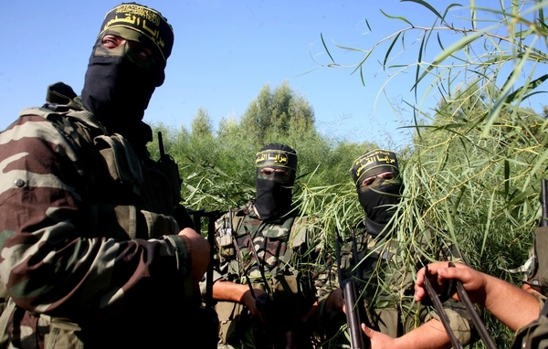 إسرائيل تطلق الجرف الصلب ضد غزة