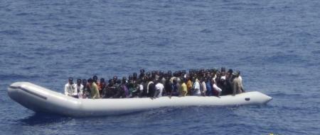 غرق زورق قبالة السواحل الليبية يقل 170 أفريقيا