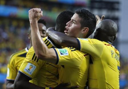 كولومبيا واليونان تتأهلان إلى الدور الثاني بالمونديال