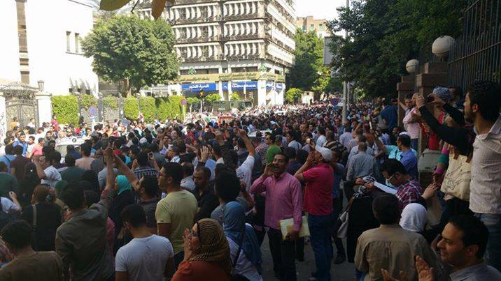 اعتقالات عشوائية بمصر بعد مظاهرات الجمعة.. وأمريكا تتابع الأمر بعناية