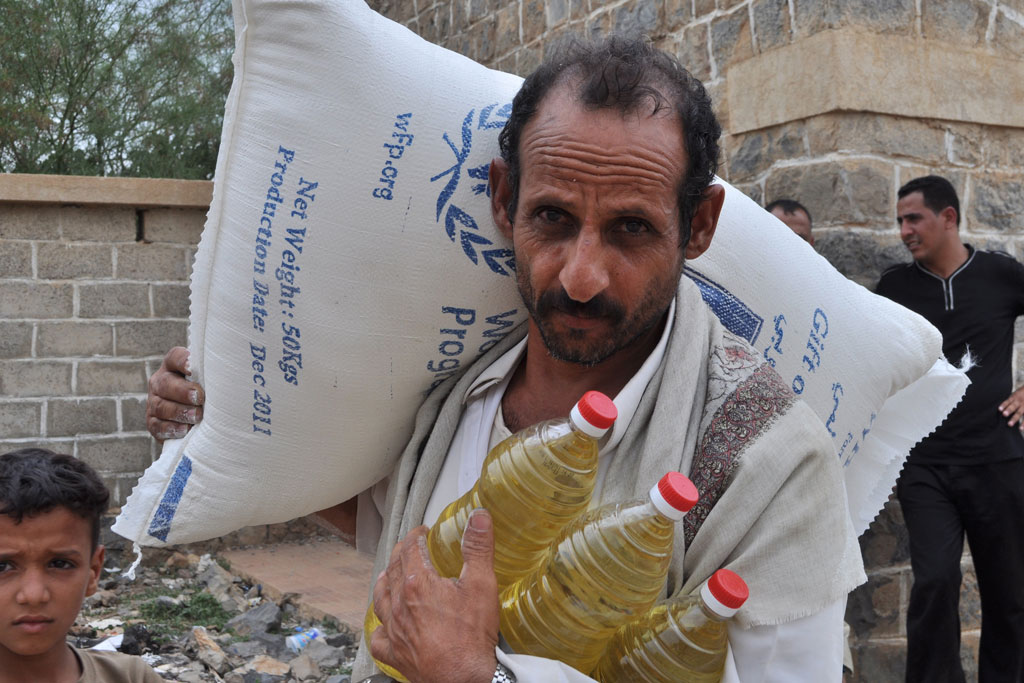 برنامج الغذاء العالمي يساعد سبعة ملايين باليمن