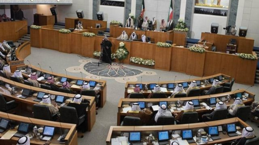 الكويت تقر بعجز مالي يصل إلى 64% من ميزانية العام الحالي