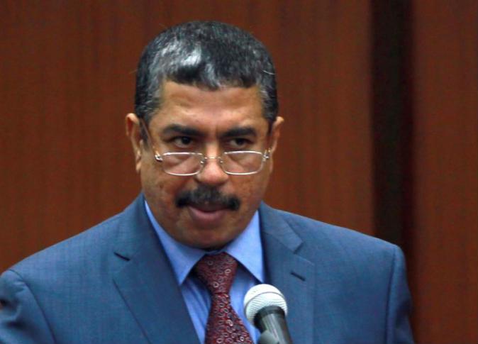 الحوثيون يكلفون حكومة بحاح بتصريف شئون الدولة