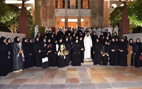 محمد بن راشد يتعهد شخصيا بمتابعة متفوقي الطلبة