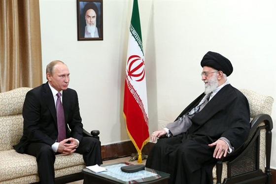 المخابرات الأميركية: روسيا وإيران وحزب الله سيزيدون دعمهم للأسد