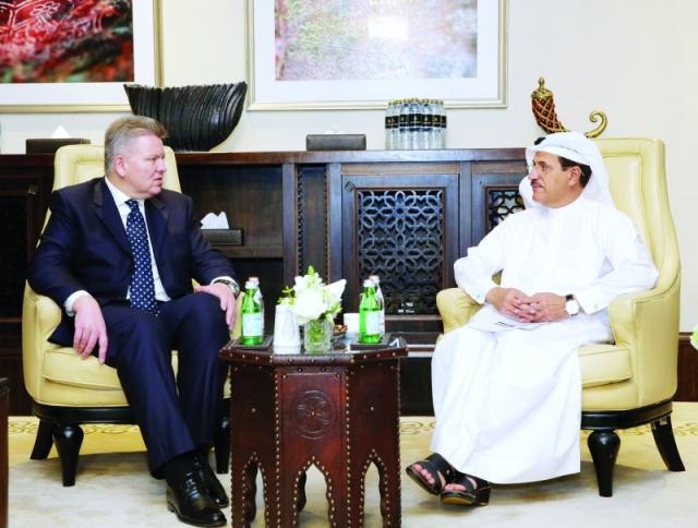 الإمارات تبحث تعزيز التعاون الاقتصادي مع بولندا