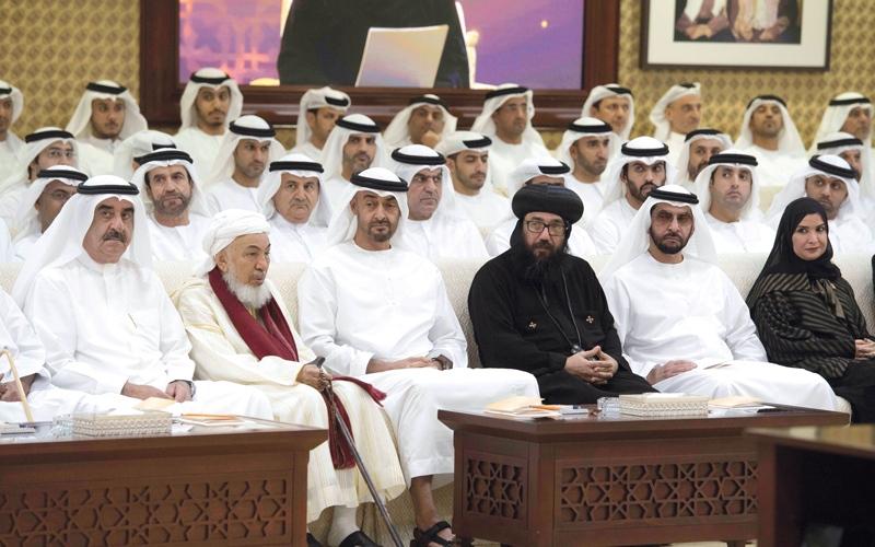 محمد بن زايد يستقبل ممثل البابا تواضروس ووفدين حكوميين