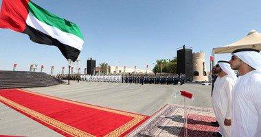 محمد بن راشد يحتفل مع القوات المسلحة بيوم العلم