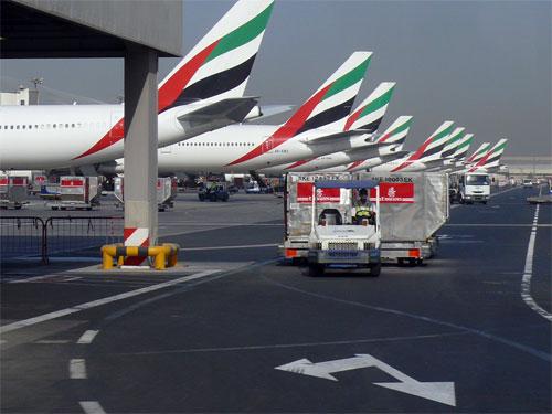 دبي ورلد سنترال يوقع اتفاقية لإقامة منشأة طلاء طائرات