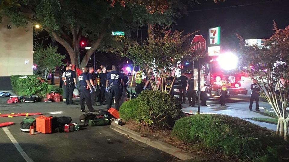 50 قتيلاً في أورلاندو.. داعش يتبنى وترامب: إرهاب أصولي إسلامي