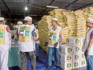 منظمات دولية تشيد بمساعدات الإمارات لنازحي باكستان