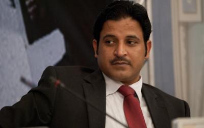 الإعلامي علي الظفيري يعلن استقالته من قناة الجزيرة