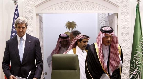 كيري يطلع الفيصل على تطورات المحادثات النووية مع ايران