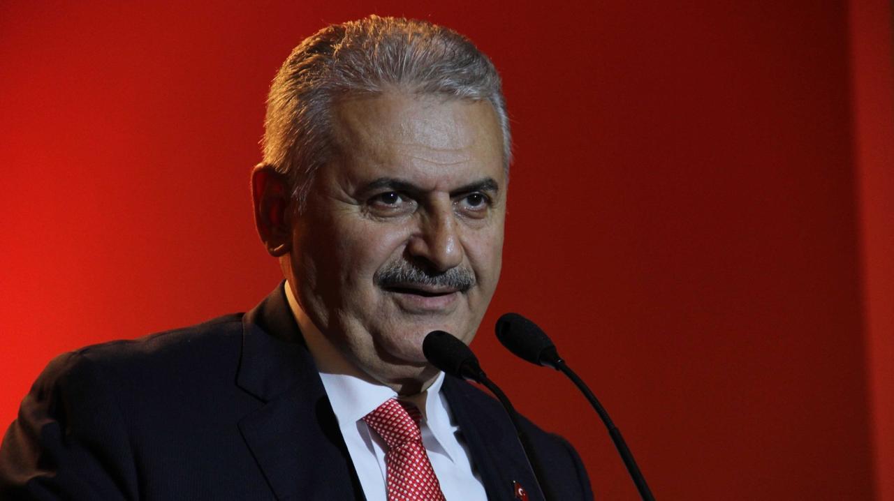 ترشيح بن علي يلدرم المقرب من أردوغان خلفاً لداود أوغلو في الحزب