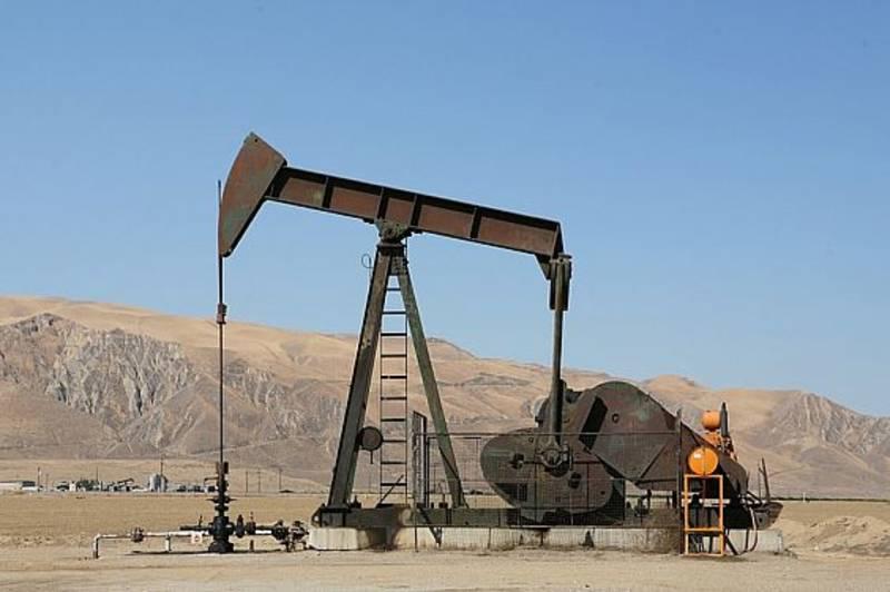الطاقة الدولية تتوقع أن يصل النفط إلى 80 دولاراً في 2020