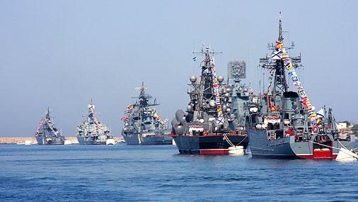 مناورات  روسية عسكرية في بحر قزوين على خلفية التوتر مع تركيا