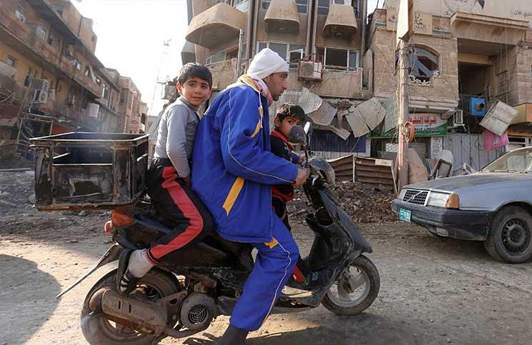 رفع الأذان الشيعي في أحياء محررة في الموصل