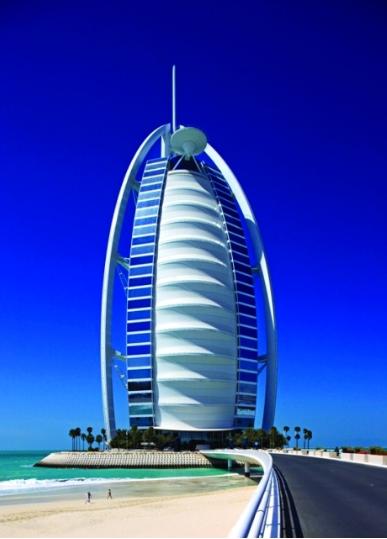 ميل أون صنداي: برج العرب أحد المباني المهمة في القرن العشرين
