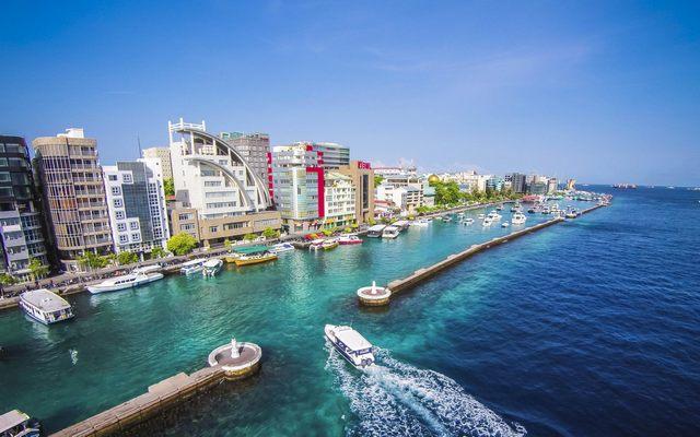 الخارجية تحذر المواطنين من السفر إلى المالديف