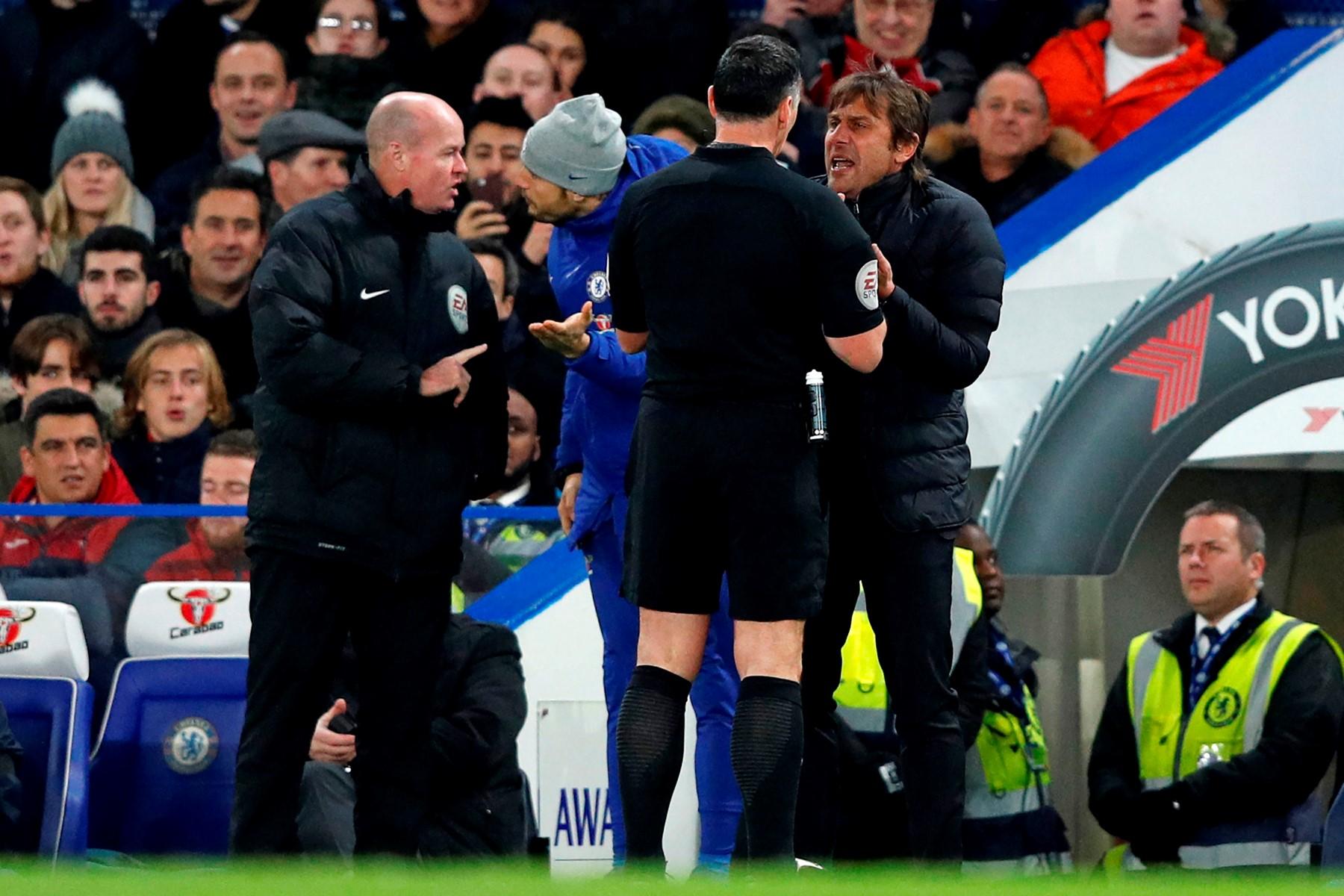 تغريم كونتي مدرب تشيلسي بسبب طرده في مباراة سوانزي سيتي