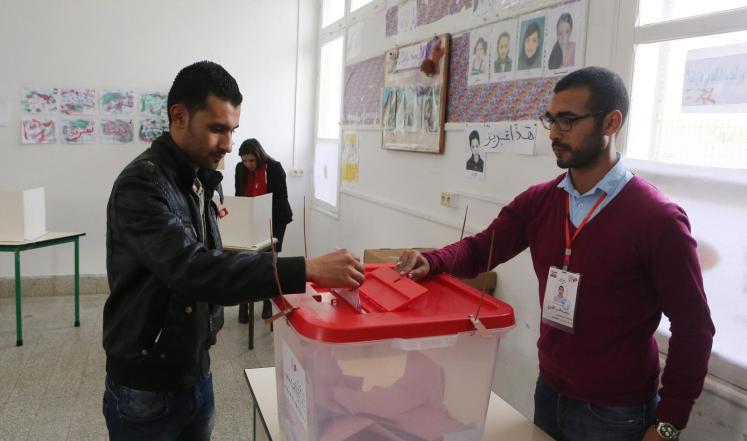 بدء فرز أصوات الناخبين في تونس