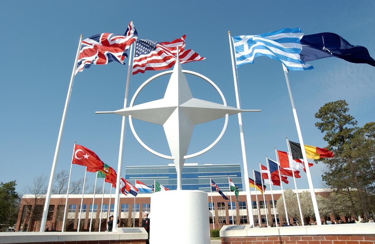 وزراء خارجية الناتو قلقون من تدهور الأوضاع في العراق