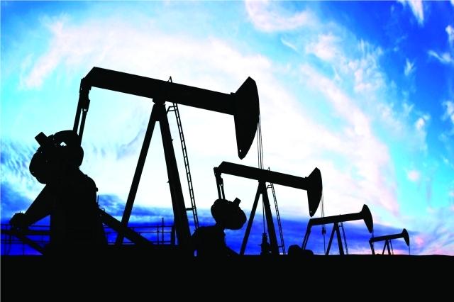 النفط يسجل ثالث خسارة أسبوعية