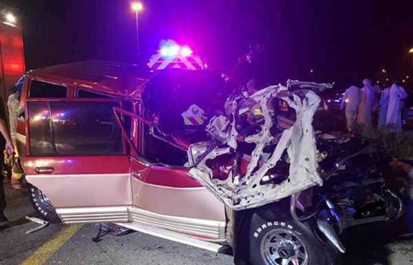 إنقاذ مواطن حصر في مركبته إثر حادث سير