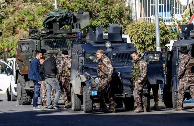 تركيا توقف 82 أجنبيا كانوا يعتزمون التوجه إلى سوريا من أراضيها