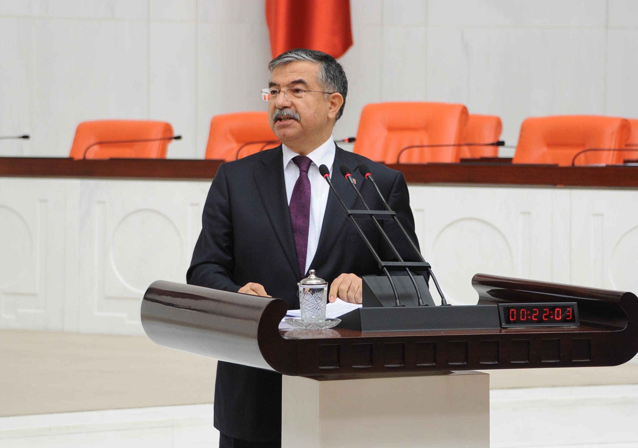 وزير الدفاع التركي: تركيا لم تتخلى عن سيادتها وتنظيم داعش خطر كبير