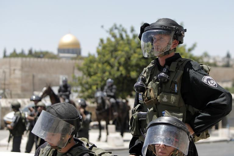 الاحتلال ينشر الآلاف من شرطته في أول جمعة من رمضان ولن يعيد جثة شهيدين